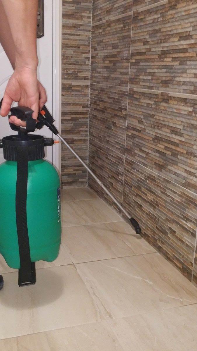 dezinsekcija stana sa pumpom